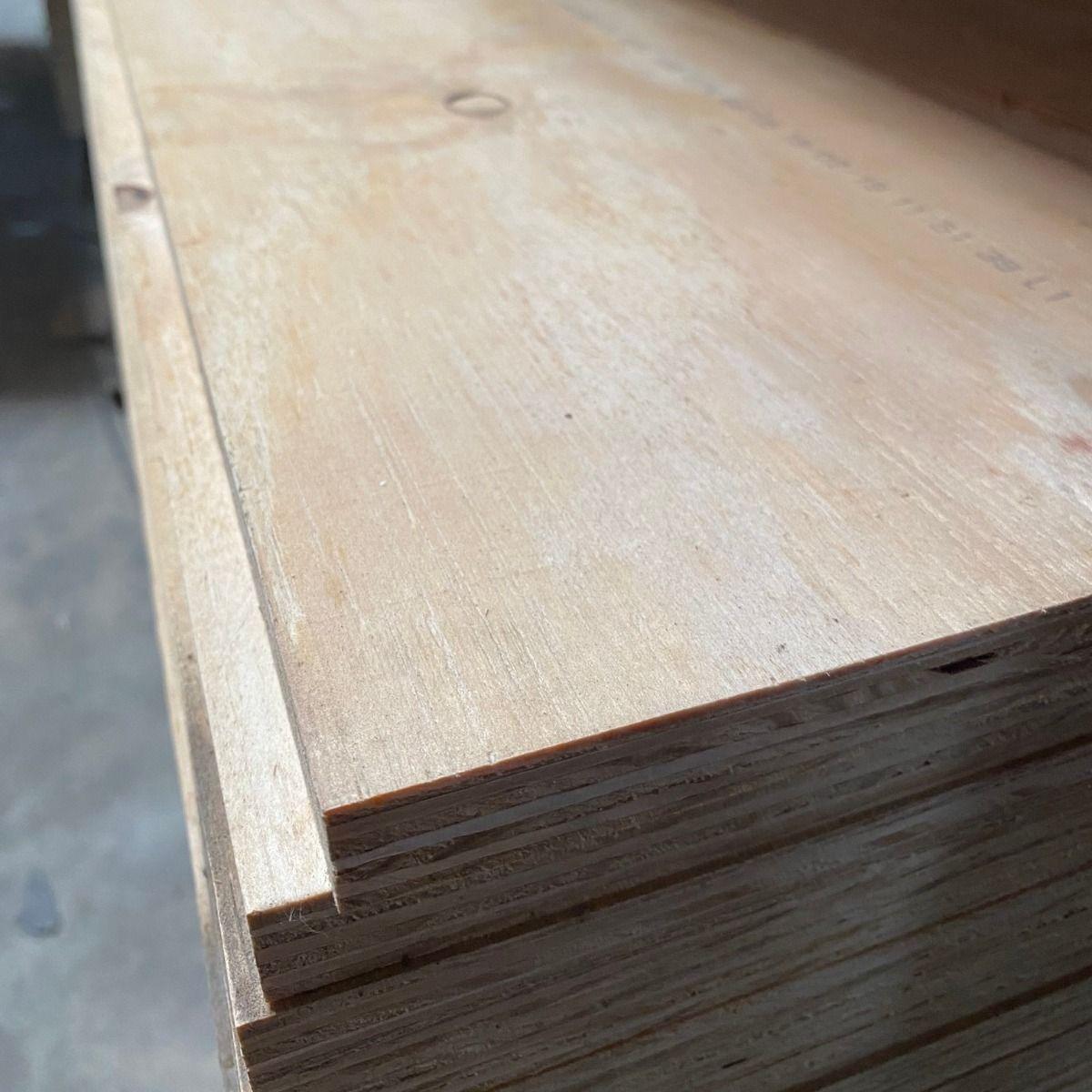 Bausperrholz Elliottis Pine 2440x1220x20mm